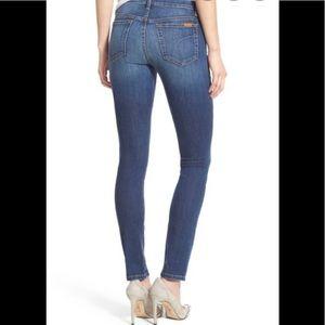 Joe's ICON Mid Rise Skinny Jeans Arian 26